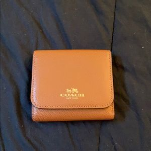 Tan and multicolor French wallet
